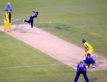 Muralitharan_bowling_to_Adam_Gilchrist