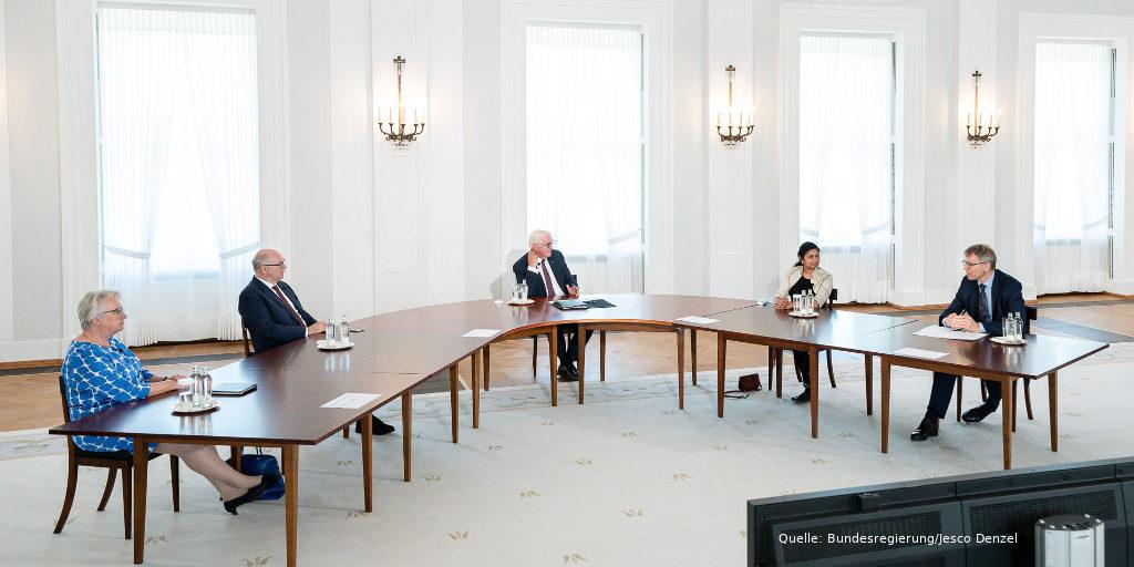 Auftakt_Ethik-der-Digitalisierung__Quelle-Bundesregierung-Jesco-Denzel-panorama